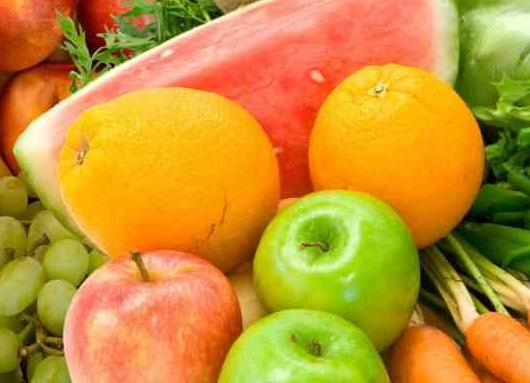 Aντιγηραντικά φρούτα για λαμπερό και φωτεινό δέρμα