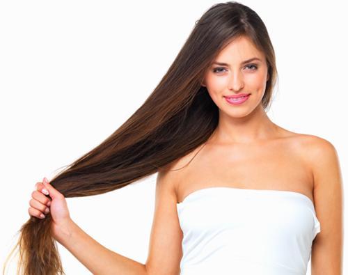Πώς να θεραπεύσουμε τα μαλλιά μας από τη θάλασσα και τον ήλιο (BINTEO)