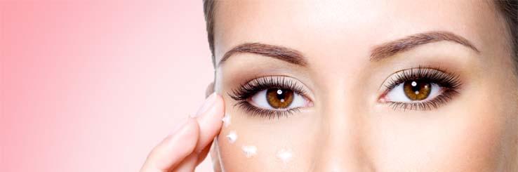 Πότε και γιατί πρέπει να ξεκινήσουμε να φοράμε κρέμα ματιών…?