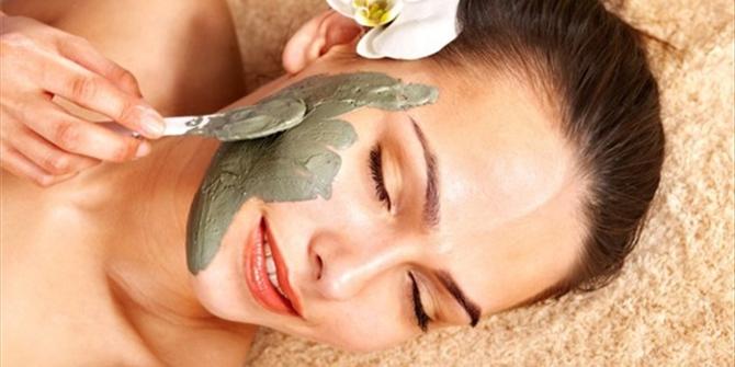 Λευκαντική μάσκα προσώπου για πιο λαμπερό δέρμα