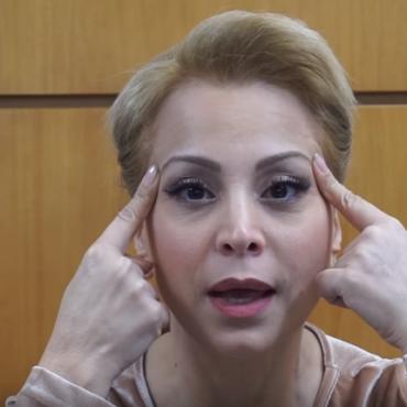 Ασκήσεις αντιγήρανσης για πρόσωπο και λαιμό – Face Yoga (Video)