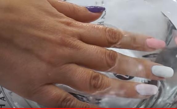 Νύχια που αλλάζουν χρώμα-Perfect Match Mood από τη LeChat