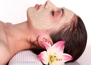 Μάσκα προσώπου για ξηρά δέρματα με δύο μόνο υλικά!