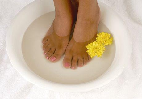 Ξεκουράστε τα πόδια σας με φυσικό τρόπο