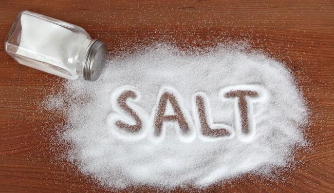 Αλάτι για λαμπερά νύχια!