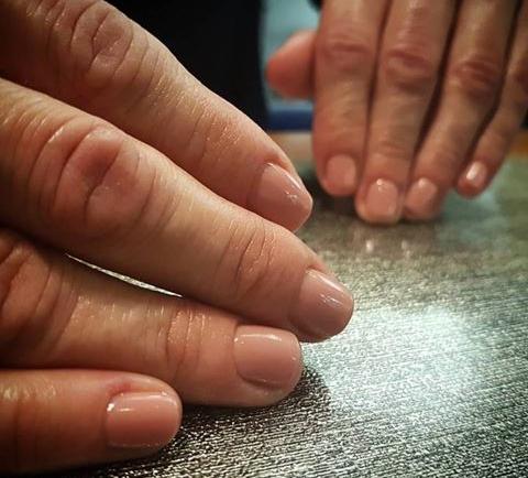 Nude nails: Για νύχια πάντοτε «καθαρά»&περιποιημένα