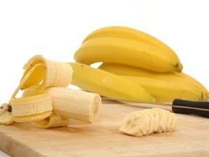 Λέμε όχι στις ραγάδες με ένα απλό πίλινγκ από μπανάνα
