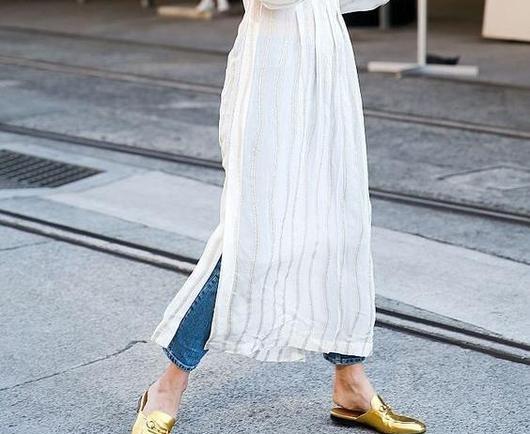 Έτσι θα συνδυάσεις το αγαπημένο σου φόρεμα με τζιν!