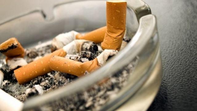 Μυρωδιά από τσιγάρο;  Κόλπα για να το αντιμετωπίσετε