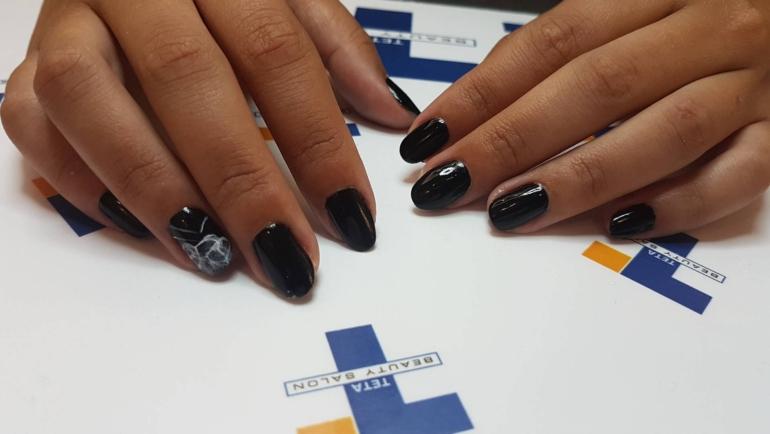 Φοβερές ιδέες για μαύρα νύχια!
