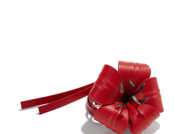 Red alert!!! Flower Bracelet