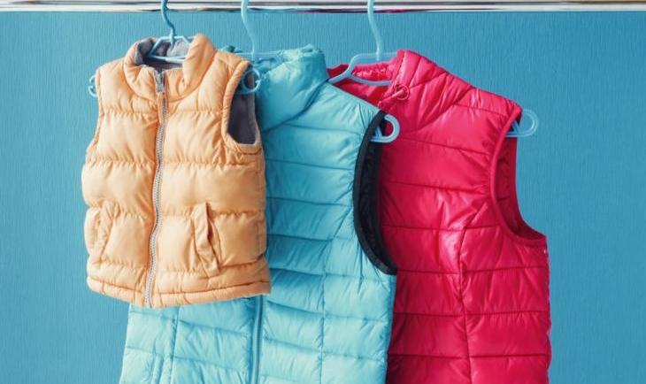 Πώς θα κάνεις τα puffer jackets αφράτα σαν καινούργια;