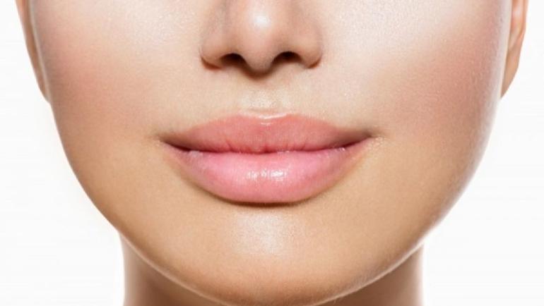 Ενυδατώστε τα χείλη σας… ανέξοδα!
