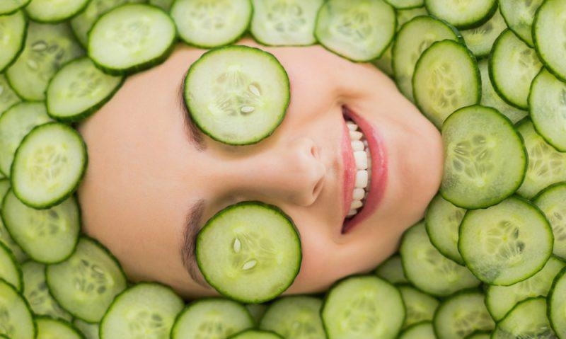 Ενυδατώστε το πρόσωπό σας με αγγούρι & γιαούρτι