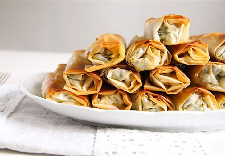 Αυτή είναι η πιο εύκολη συνταγή για ρολάκια με σπανάκι και φέτα