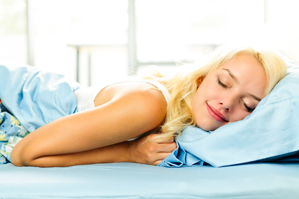 Το μυστικό για να αποφύγεις τις ρυτίδες στον ύπνο