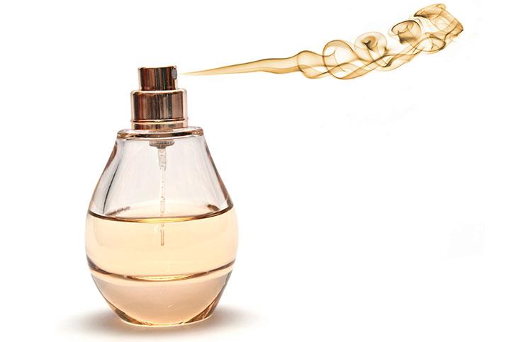 Γιατί δεν πρέπει να πετάς ποτέ το μπουκάλι του αρώματός σου που μόλις τελείωσε!