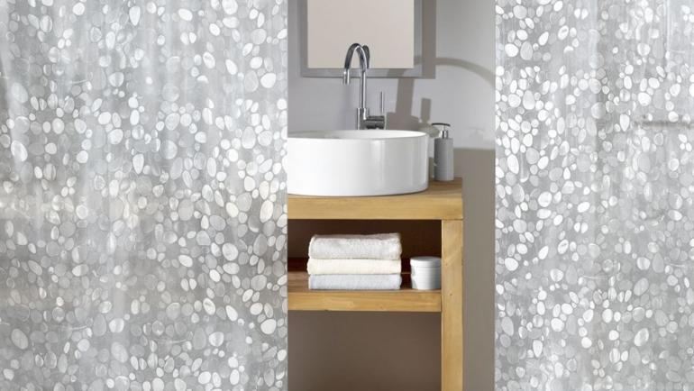 Πώς να καθαρίσετε την κουρτίνα του μπάνιου με υλικά από την κουζίνα σας
