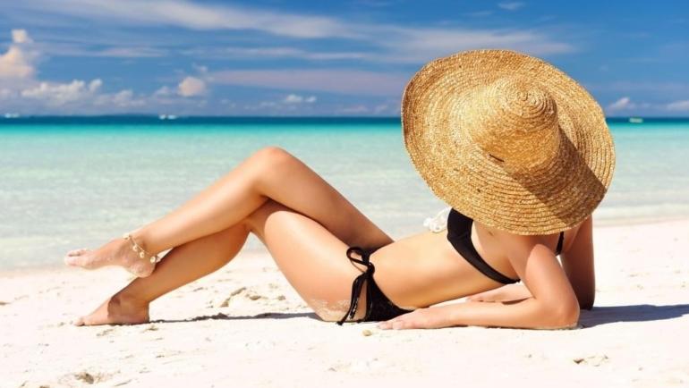 Τα απαραίτητα αξεσουάρ για ένα καλοκαίρι γεμάτο στιλ