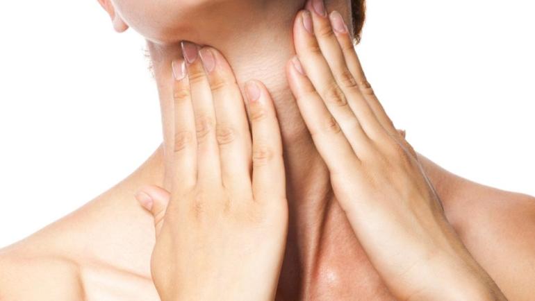 Πανεύκολη σπιτική μάσκα για να καταπολεμήσετε τις ρυτίδες στο λαιμό