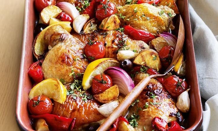 Κοτόπουλο μουσταρδάτο στον φούρνο με πατάτες και ντοματίνια