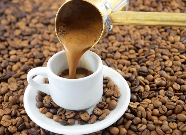 Θα εκπλαγείτε μαθαίνοντας τις απίστευτες χρήσεις του ελληνικού καφέ στην καθημερινότητα μας