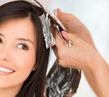 7 tips που πρέπει να διαβάσεις πριν βάψεις μόνη τα μαλλιά σου!