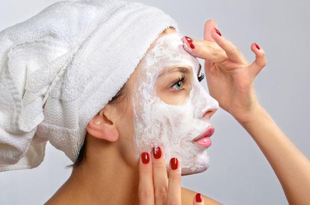 Μάσκα προσώπου με γάλα: Πλήρης τροφή για το δέρμα