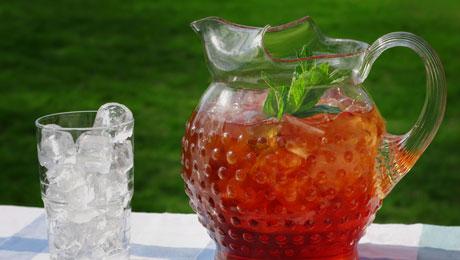 Φτιάξτε το πιο χαλαρωτικό και ταυτόχρονα δυναμωτικό καλοκαιρινό τσάι!