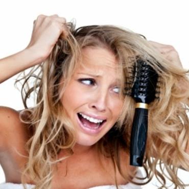 Λύστε τους κόμπους από τα μαλλιά σας με aloe vera