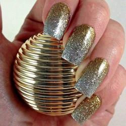 Βάλτε μια χρυσή πινελιά στα νύχια σας! (Μέρος 1ο)