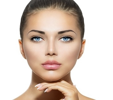 6+1 τρόποι για να παραμείνει το πρόσωπό σου ενυδατωμένο και χωρίς ρυτίδες