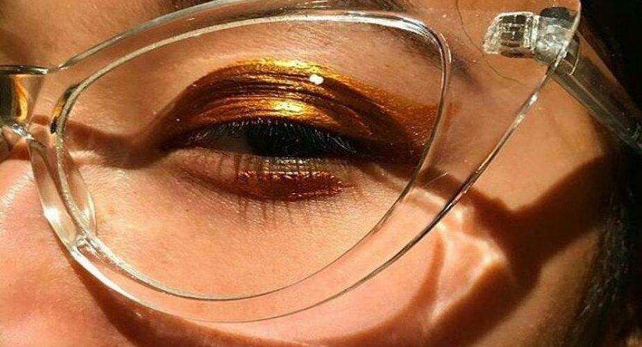 Τα σωστά tips στο μαγικιάζ για όσες φορούν γυαλιά