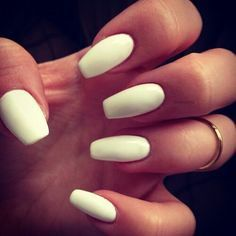Squoval nails για δυναμικές γυναίκες και μόνο