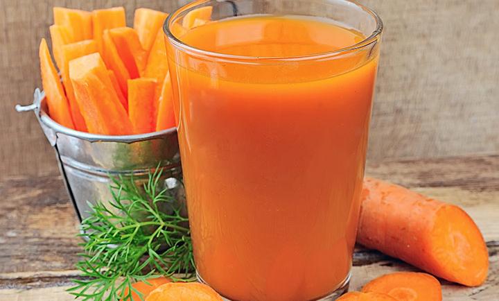 Οι ευεργετικές ιδιότητες που έχει ο χυμός καρότου