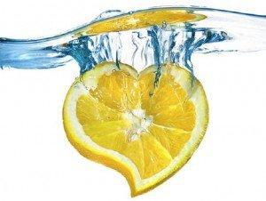 Νερό με λεμόνι: 19 λόγοι για να γίνει η πρωινή σου συνήθεια!