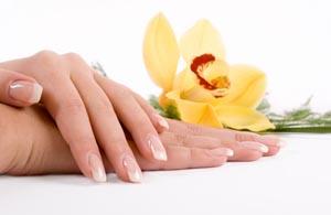 Φτιάξτε τη δική σας κρέμα για απαλά χέρια