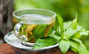 Φτιάξτε τσάι για βαθύ καθαρισμό: Βελτιώστε τον τόνο του δέρματός σας
