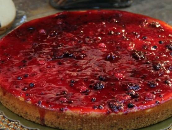 Κέικ με γιαούρτι, αποξηραμένα cranberries και μαρμελάδα φράουλα
