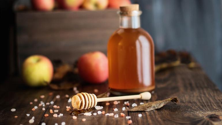 Ξύδι και μέλι: Ένας συνδυασμός με απίστευτα οφέλη για τα μαλλιά
