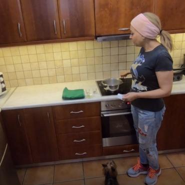 Βαθύς καθαρισμός προσώπου στο σπίτι (Video)