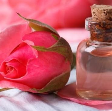 Συνταγές ομορφιάς με ροδόνερο – Τα πλούσια οφέλη